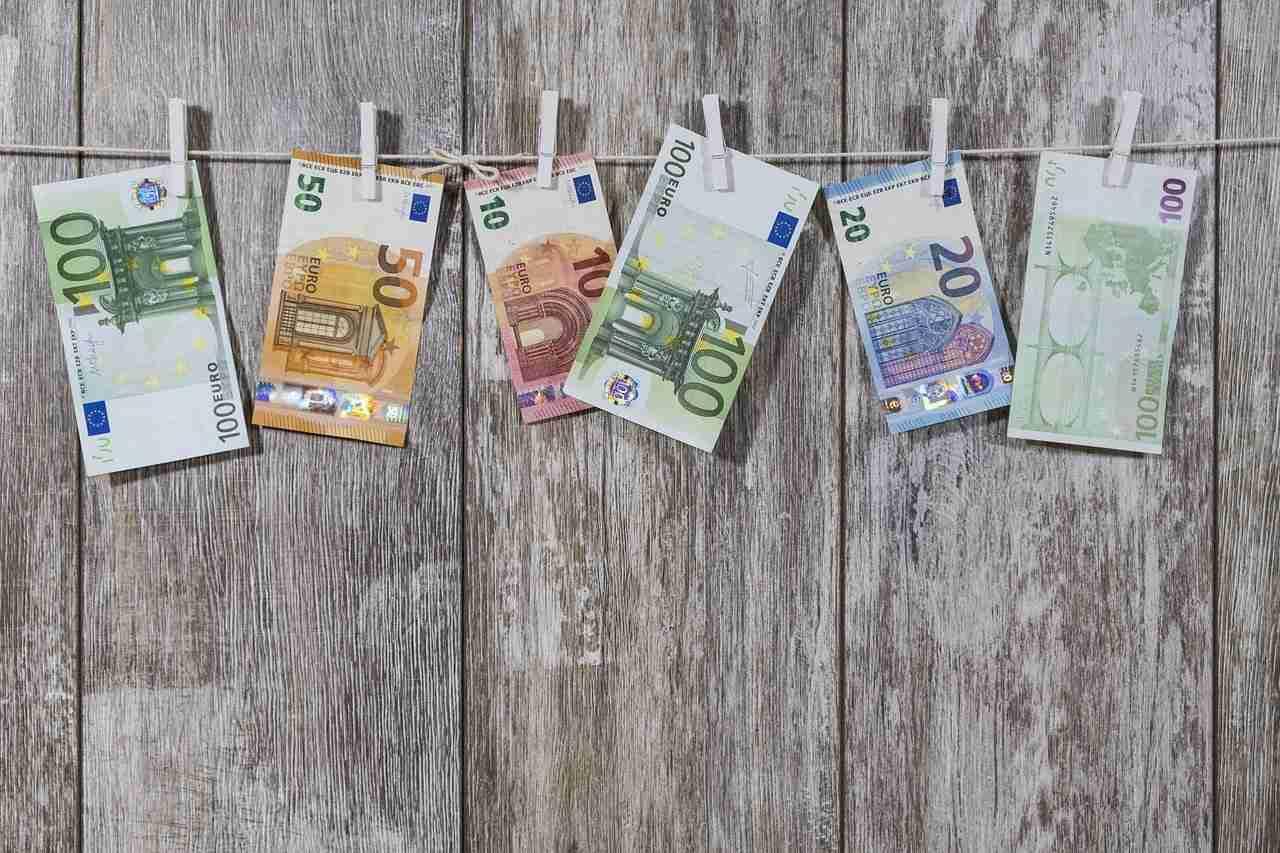 ile zarabia tlumacz hiszpanskiego, zarobki tlumacza hiszpanskiego